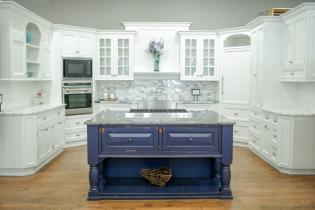 MEET THE OWNER: CABINET DESIGNERS