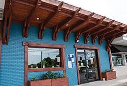 creekside bar & bistro